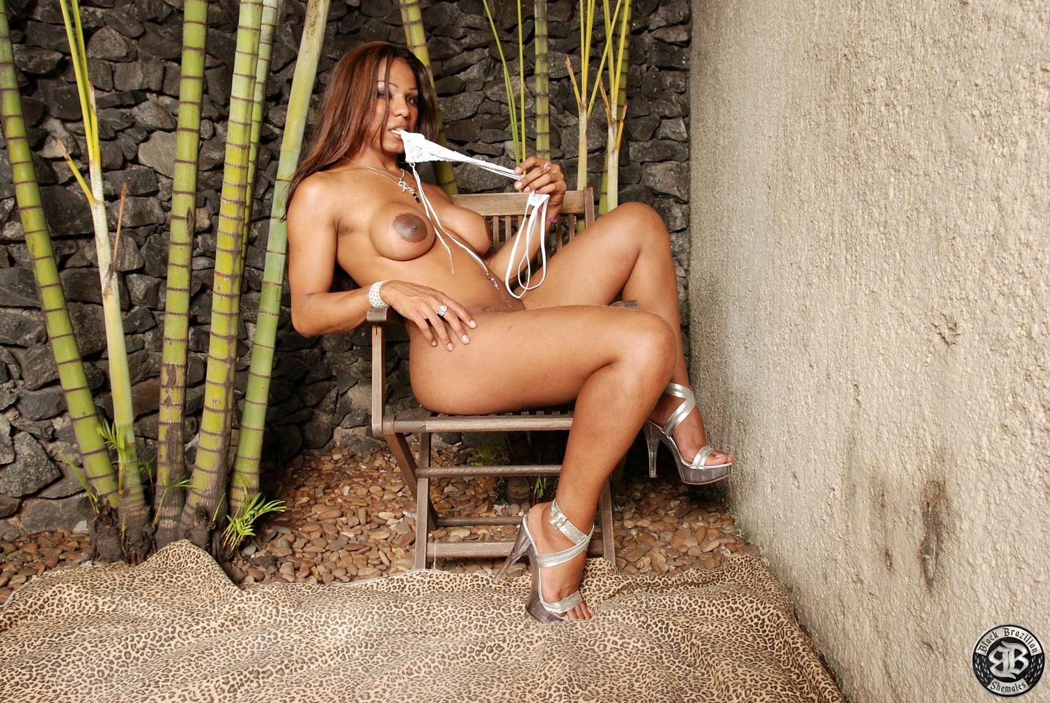 Adorable Tgirl Andreza Stroking Her Juicy Tool
