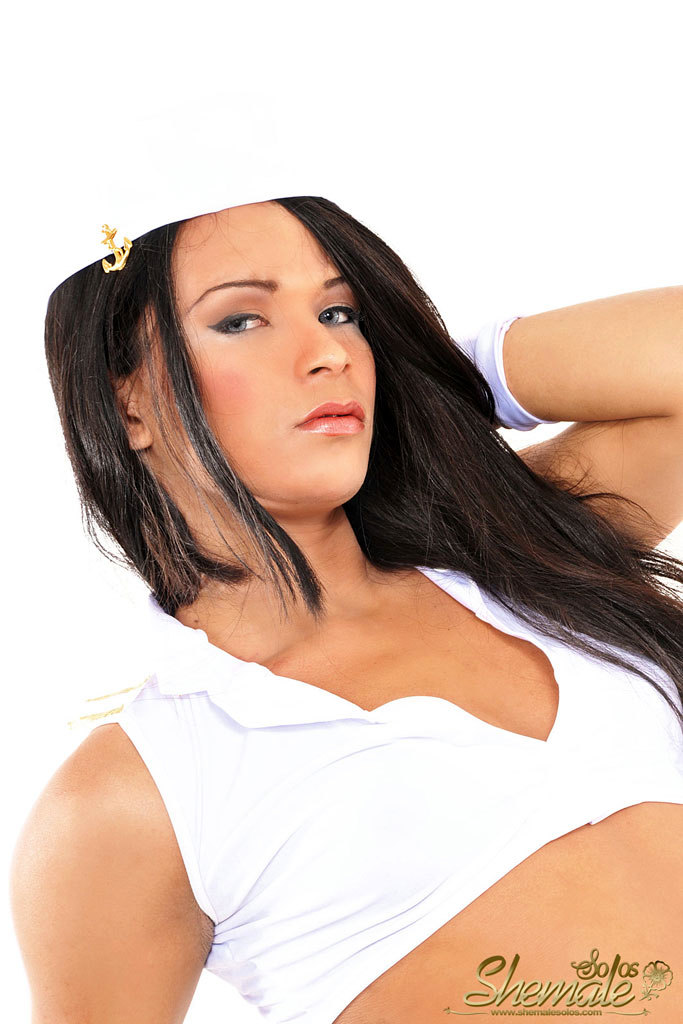 Brazilian T-Girl Bombshell Isabelly Santana