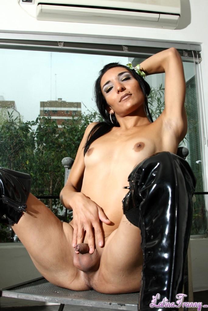 Brunette TS Babe Posing In Racy Black Boots