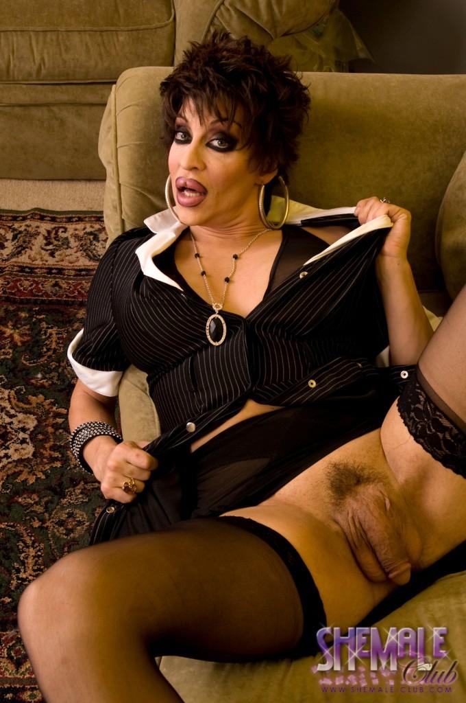 Busty TS Chick Kourtney Exposing Her Big Rough Tool