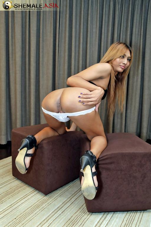 Nice Teen Asian Ladyboy Empties Her Balls