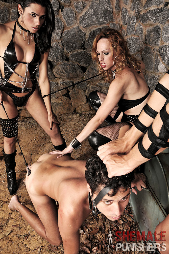 Three Ladyboy Dommes Gangbang A Submissive