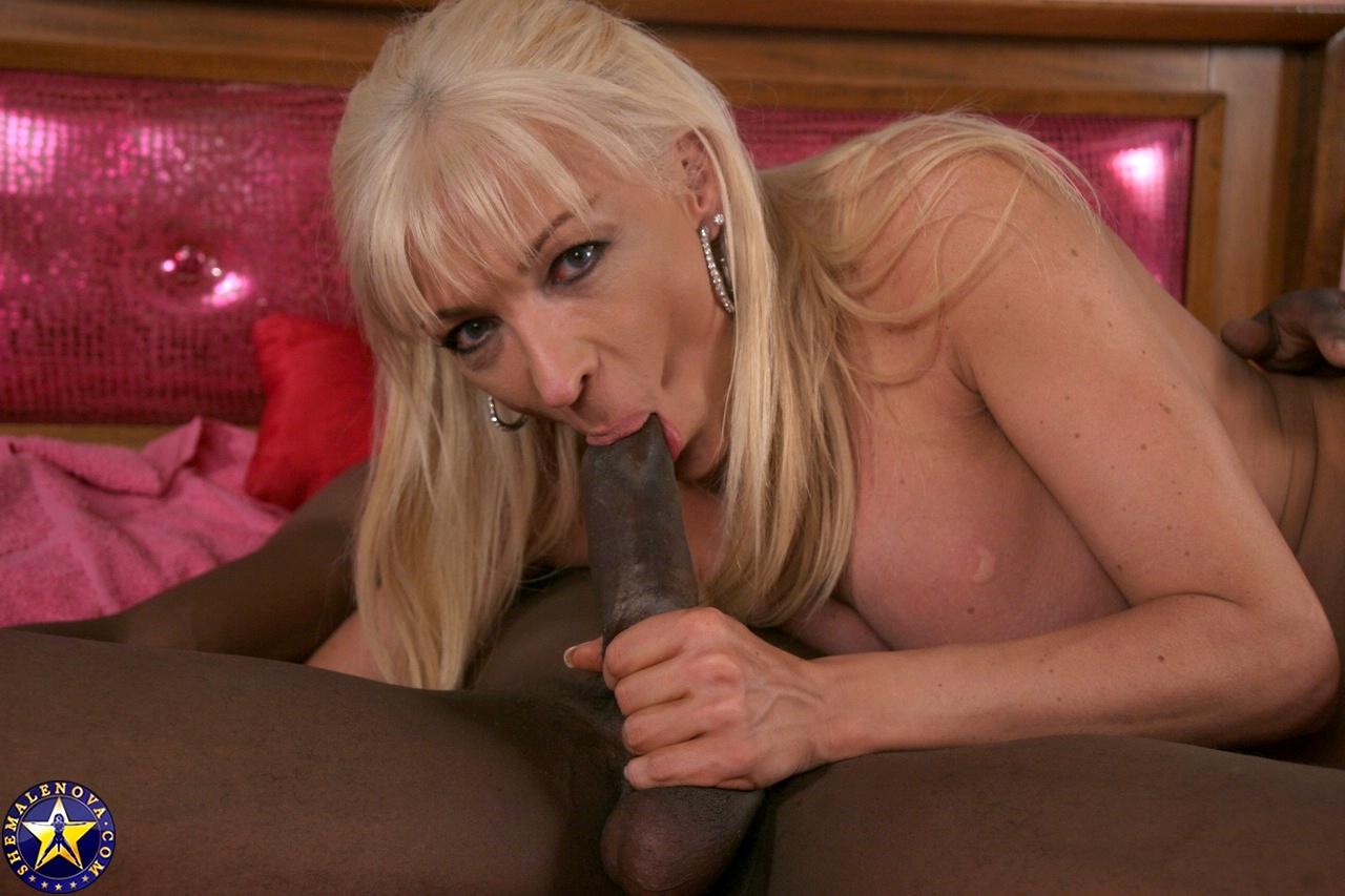 Wild Femboy Lorena Deepthroating A Stiff Black Tool